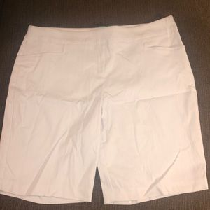 NEW Women's Time and Tru Pull On Bermuda Shorts XL